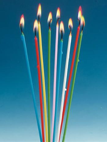Gekleurde kaarsen per 18 stuks verpakt