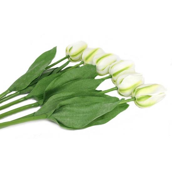 Zes witte namaak tulpen